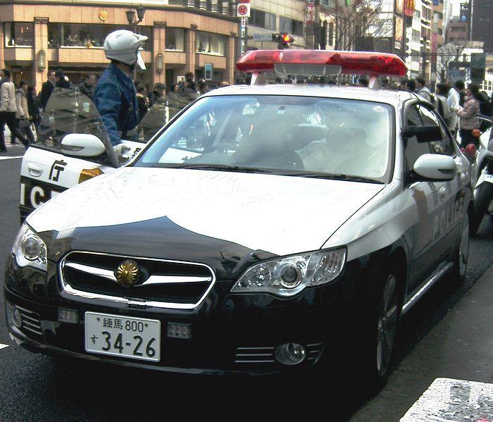 700px-警視庁パトカー_レガシィB4.jpg